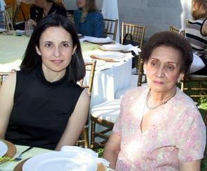 Josefina de Campa y Carolina González, en reciente acontecimiento social.