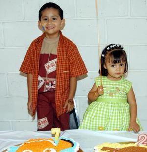 Los hermanos Abelardo y María Fernanda Cervantes Lesprón celebraron su séptimo y segundo aniversario de vida, respectivamente con un convivio preparado por sus papás.