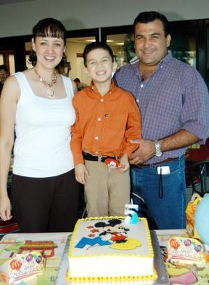 <u>04 de septiembre </u> <p> Cinco años de edad cumplió José Alan Romo Izquierdo, por lo cual sus padres, Claudia de Romo y Alan Romo le ofrecieron una divertida fiesta.