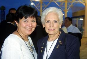 Esperanza Lee e Ivonne de Gómez Montenegro fueron captadas recientemente en la Feria Torreón.