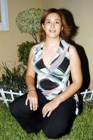 Alicia Rendón de Guízar en el convivio que le ofrecieron con motivo de su onomástico.