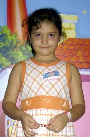 María  Marcela Martínez Eguiarte recibió lindos regalos en la fiesta que le ofrecieron sus padres Luis Martínez y María del Carmen Eguiarte con motivo de su séptimo aniversario de vida.