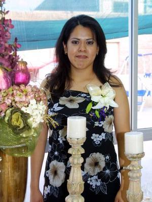 Alma Delia Valdez Anguiano en su despedida de soltera.