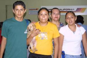 <u> 08 de septiembre </u> <p>   Martha Valdepeña regresó a Los Ángeles, y fue despedido por Ángelica Guevara Favela y por Edith, Jesús y Ramses Favela.