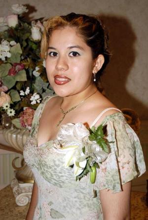 Martha Lizeth Esparza Andrade, captada en la despedida de soltera que le ofrecieron.