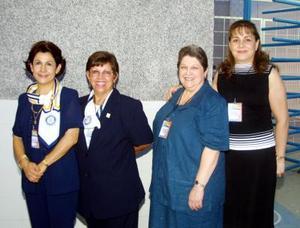 Leticia de Contreras, Jose de Ruiz, Tulita de Sada y Chela de Román.