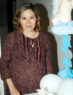 Miriam Rodríguez de Castro fue festejarda con un convivio de canastilla
