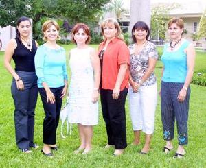 Nury de Ramos, Marianto de Haro, Gaby de Santos, Laura de Fernández, Nena de Fernández y Maty de Espada.