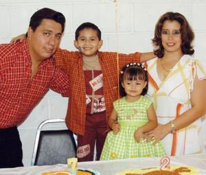 Abelardo y María Fernanda festejaron su séptimo y segundo cumpleaños respectivamente en compañía de sus padres, Abelardo Cervantes y Marcela Lesprón de Cervatnes
