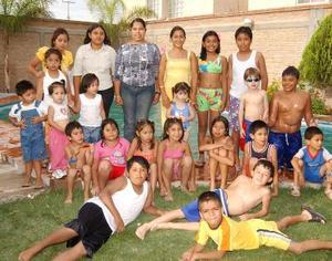 Al cumplir siete años de edad, la pequeña Patsy Alcántara de Luna fue festejada por su mamá Rocío de Luna y por la familia Cázares Gallegos.