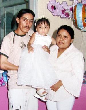 Sofía Guadalupe cumpló tres años de edad y los festejó en compañía de sus padres Héctor Alfonso Rojas y Rosa Laura Rizada.