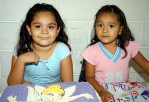 <u> 08 de septiembre </u> <p> Itza Moreno Chihuahua Ornelas junto a su hermanita Aimeé, el dia en que fue festejada por su cumpleñaos.