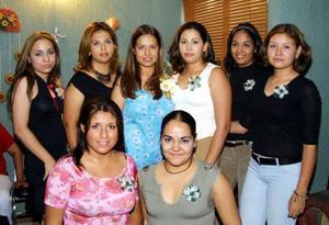 Una despedida de soltera le ofrecieron a Cindy Luz María  Ramírez Martínez, organizada por su mamá, Josefina M. de Ramírez, su hermana, Teresita de Jesús y Georgina Fonseca.