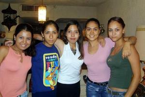 Janeth Robles celebró recientemente su onomástico acompañada de sus amigas Mariel Braceda, Marichelo Niño de Rivera, Cristina Enríquez  y Laura Cervantes.