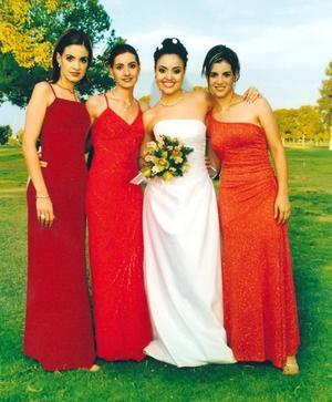 Tahani Jalil con sus hermanas Hiyam, Mirvat y Hanan Jalil, el día de su boda.