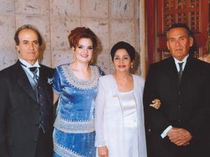 <u> 09 de septiembre </u> <p> Anuar Jalil e Ilham de Jalil, Margarita Villanueva de Camacho y Francisco Javier Camacho.