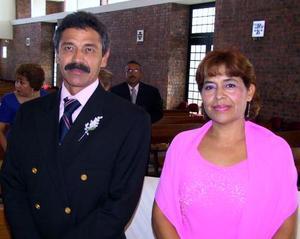<u> 11 de septiembre </u> <p> Alonso Triana Mascorro y Lety Triana de Triana.
