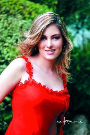 <u> 11 de septiembre </u> <p> Paola Boehringer Farías fue despedida de su vida de soltera con motivo de su próxima boda con Alejandro Veyán Humprey.
