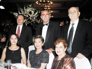 Remigio Jardón y Aurora de Jardón, Alfonso Garibay y Lety de Garibay, Rudi Gosserez y María Cristina de Gosserez.