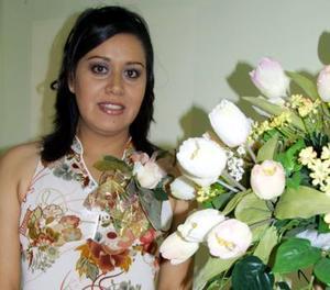 Cecilia Castro Herrera se casará con Ulises Macías Zúñiga y fue festejada con una despedida de soltera.