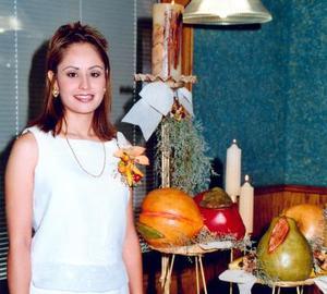 Con una grata despedida Laura Patricia Flores Zorilla le dijo adiós a su vida de soltera.