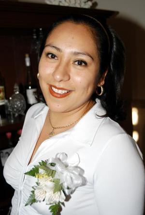 Michelle Montalvo León se casará con Arturo Rodríguez Varela el 26 de octubre y por tal motivo le ofrecieron una despedida de soltera.
