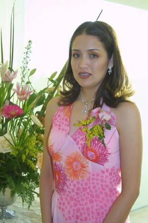 Adriana del Carmen Escalera Meraz se casará con Jorge Alberto Carvajal Núñez y por ello fue festejada con un convivio de despedidaa