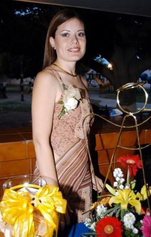 -Señorita Yamei Gabriela Porras Serna captada en la fiesta de despedida que le ofrecieron recientemente.