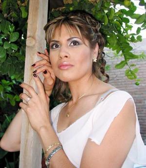 Valeria Elizabeth Campuzano Velasco en la segunda despedida de soltera que le ofrecieron.