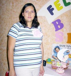 Yéska Núñez de Noé fue agasajada con una fiesta de canastilla con motivo del cercano nacimiento de su bebé