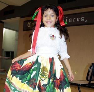 La niña Citlali Córdova Ramírez fue captada en un festejo infantil con motivo de las fiestas patrias