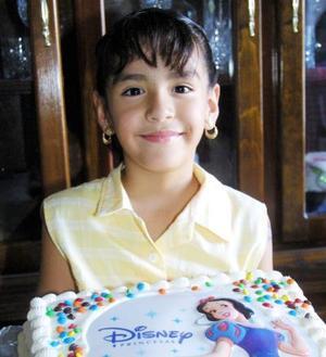 Con un convivio Diana Arosbeth festejó su octavo cumpleaños , hija de Julio César Hernández y Claudia Pacheco de Hernández.