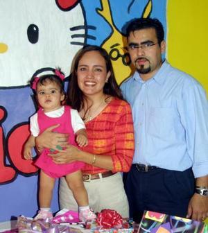 Por su primer año de vida, fue festejada la pequeña Andrea, hijita de Roberto Favila y Gisela Monsalvo.