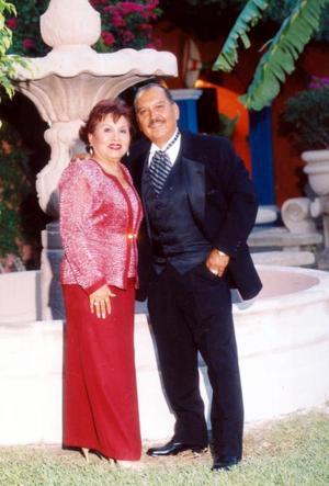 Sr. Ramiro Fassio y María Elva García celebraron sus Bodas de Rubí -40 años de matrimonio.