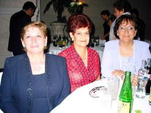<u> 15  de septiembre </u> <p> Beatriz García Castillo, Gabriela P. de Ramírez y Laura Torres de De León.