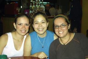 Ana Laura Murato, Irazema Pineda y Thalía Orozco.
