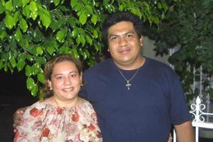 Luis Eduardo Villa Juárez celebró su cumpleaños junto a su esposa, Olivia Galván Durán quien le organizó una fiesta sorpresa.