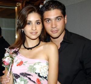 Luz María Herrera Guerrero y Héctor Hugo Nahle Romero fueron despedidos de su vida de solteros.