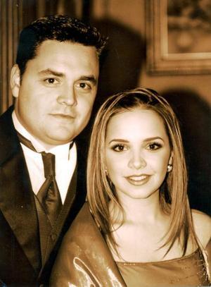 Carlos MIjares Álvarez y Alejandra Nahle Z. contrajeron matrimonio recientemente.