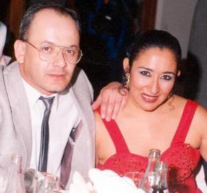 Arnulfo del Real García y Sandra Sepúlveda Gutiérrez contrajeron matrimonio recientemente.