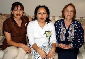 <u> 19 de septiembre </u> <p> Michelle Monzalvo León próximamente se casará con Arturo Rodríguez Varela por lo que le ofrecieron una fiesta de despedida, Adela Varela de Rodríguez y María Elena Rodríguez V.