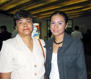 <u> 19 de septiembre </u>< <p> En plan vacacional se trasladó a Veracruz Yanner Grant, la despidió su mamá Martha Huerta Guzmán.