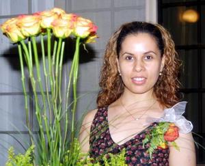 Beatriz García Martínez en su  primera despedida de soltera.
