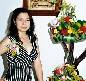<u> 21 de septiembre </u> <p> Verónica Torres Rodríguez en una despedida de soltera por su próximo enlace con el señor Manuel Preciado.
