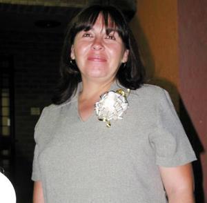 Aurora Ruiz de Canales fue agasajada con una fiesta de canastilla, su bebé nacerá el seis de octubre.