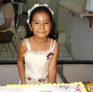 Por su sexto aniversario, la niña Argentina Hernández de la Vara fue festejada con una divertida fiesta ofrecida por sus papás Jesús Hernández y Martha Alicia de la Vara Hernández.