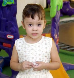 Por su tercer onomástico festejaron a la niña Fátima del Carmen Burciaga Luna, es hija de los señores Ernesto Burciaga y Claudia Luna.