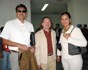 <u> 24 de septiembre </u> <p> Juan Carlos Palma, Juan Manuel Peña y Gabriela Arreola llegaron a La Laguna procedentes de México