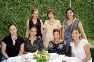 En la fiesta de canastilla de Alina Martínez estuvieron presentes, Maite, celia, Vanesa, Ana Karla, Brenda y Adriana.
