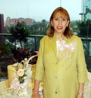 Silvia Luz Salas de Infante en la fiesta de canastilla que le ofrecieron María de la Luz de Salas y Cuquis Salas, el pasado 20 de septiembre
